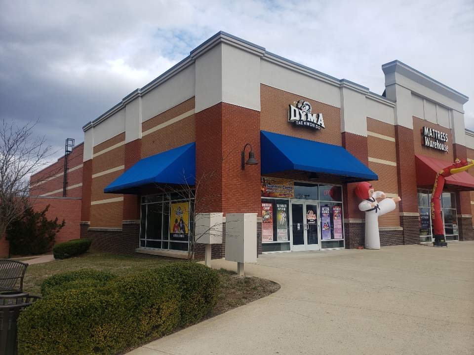 DYMA-Leesburg-Storefront-3